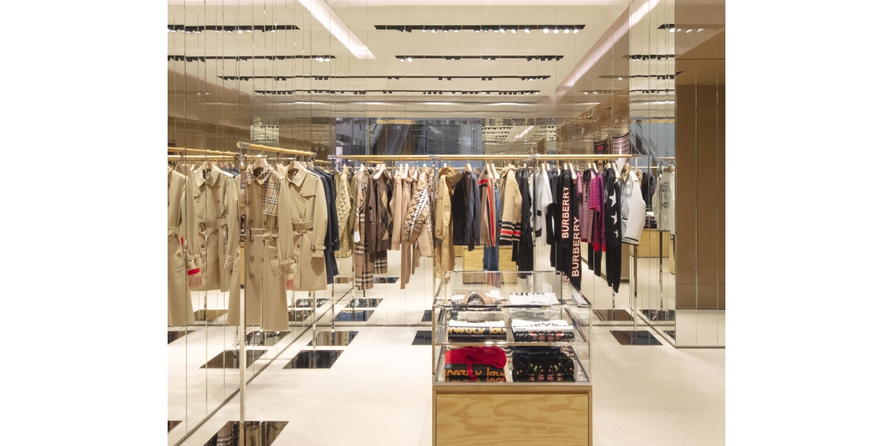Burberry opens new store in Taoyuan International Airport, Taiwan c Courtesy of Burberry_004